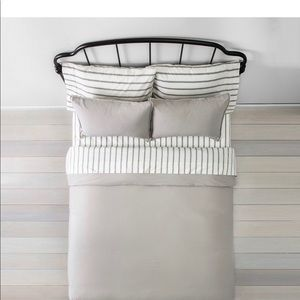 Hearth & Hand with Magnolia King Comforter